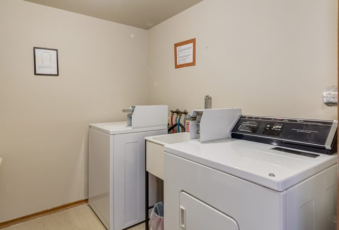 Building-Laundry-Room-700x475.jpg