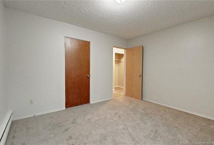 4447-35-Avenue-Close-Pic-11-700x475.jpeg