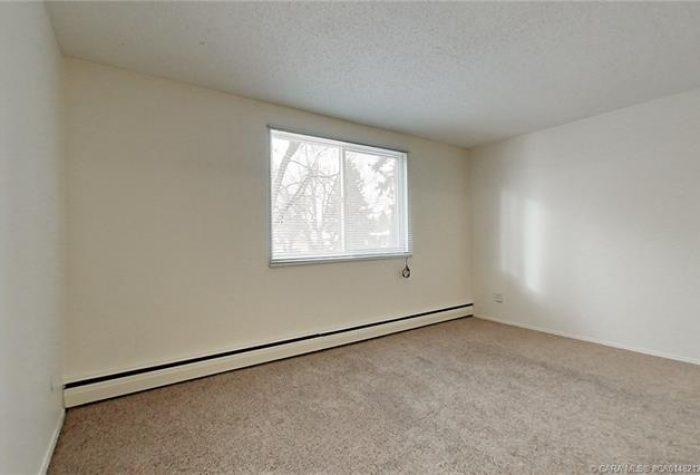 4447-35-Avenue-Close-Pic-16-700x475.jpeg